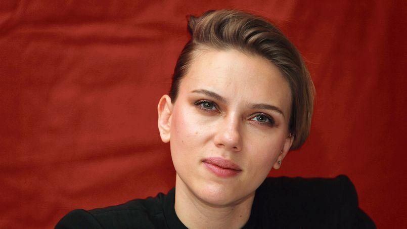 L'actrice Scarlett Johansson dont la beauté «touchante» émeut le romancier français Grégoire Delacourt..