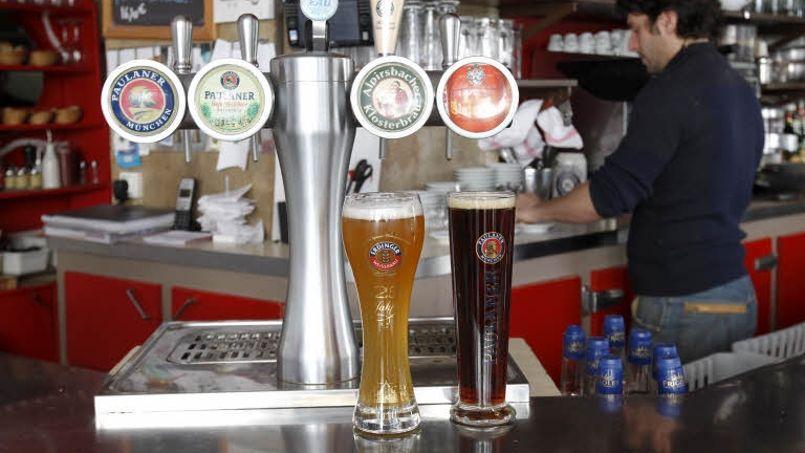 La bière «spéciale» est seize fois plus taxée que le vin en France.