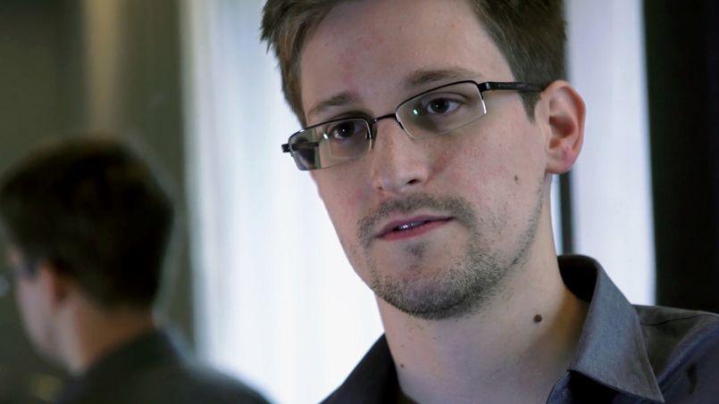 Edward Snowden a travaillé pour la CIA et la NSA.