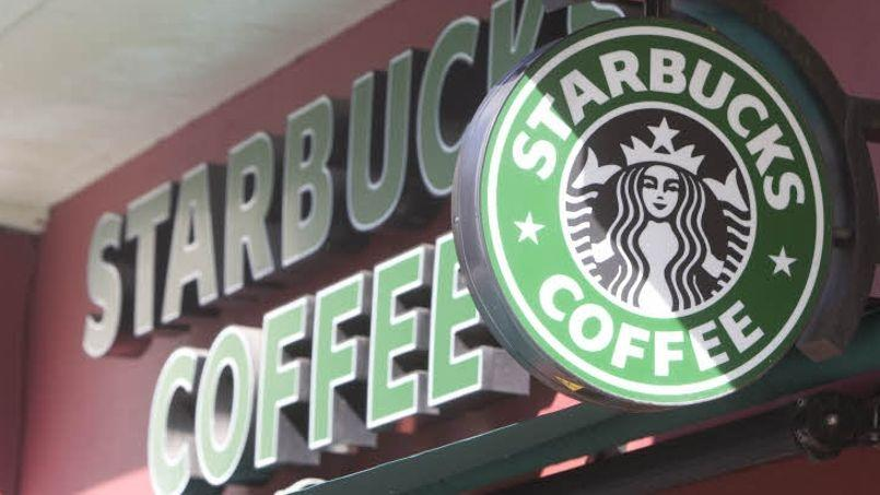 Avec «Café Corner», les employés auront à disposition sur leur lieu de travail les Macchiato, Cappucino et autres spécialités à base de café de Starbucks. Crédits photo: François BOUCHON/ Le Figaro
