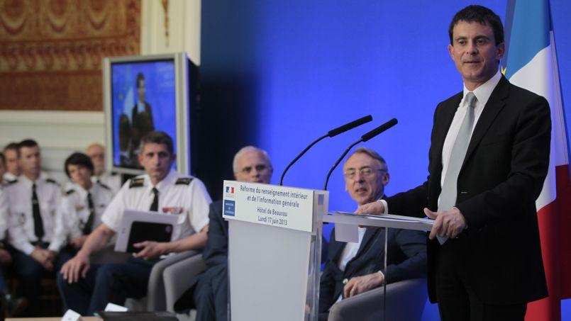 Valls muscle le renseignement en cr ant une direction g n rale for Direction centrale du renseignement interieur