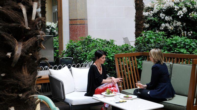 Le Patio, la terrasse Arts déco de l'Hôtel Prince de Galles.