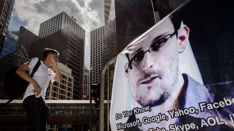 Un portrait d'Edward Snowden dans une rue de Hongkong, la semaine dernière.