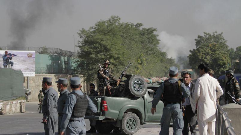 Cette attaque intervient au lendemain d'une rencontre entre le président afghan et l'envoyé spécial américain pour l'Afghanistan.