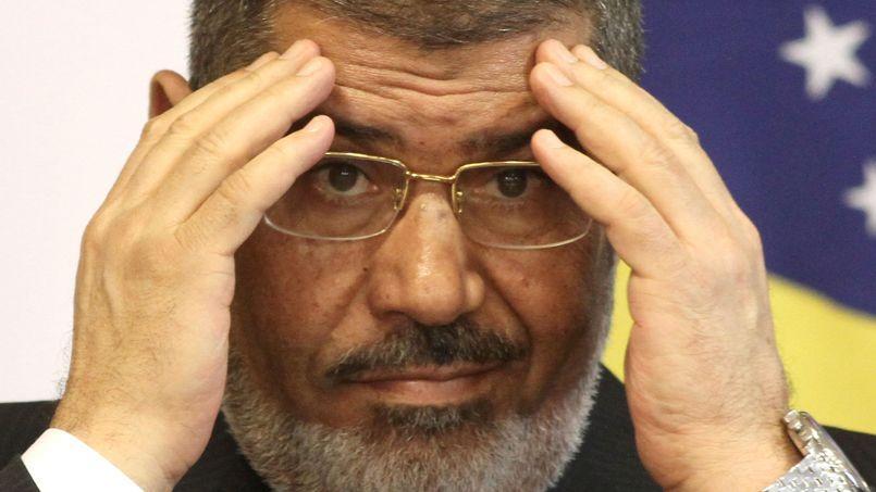 Appelée «Tamarod» (Rébellion), la campagne de l'opposition doit culminer dimanche avec un grand rassemblement devant le palais présidentiel, à l'occasion de l'anniversaire de l'intronisation de Mohammed Morsi.