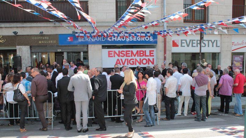 La permanence de Bernard Chaussegros à Avignon.