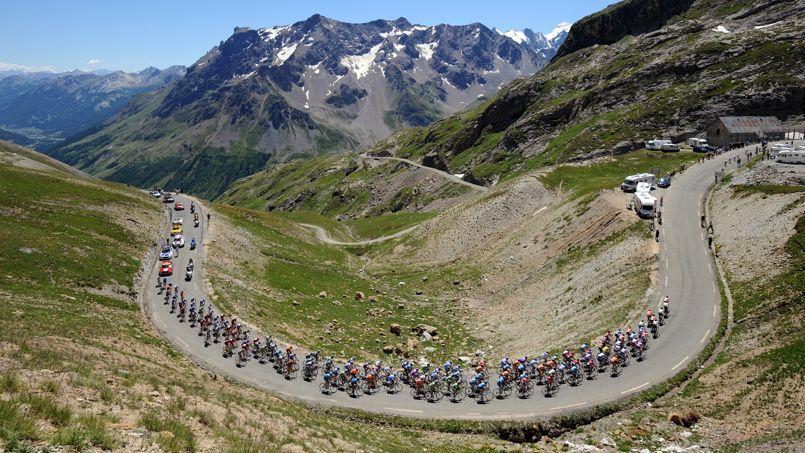 Particularité de la centième édition du Tour de France: les coureurs monteront les 21 lacets de L'Alpe d'Huez à deux reprises