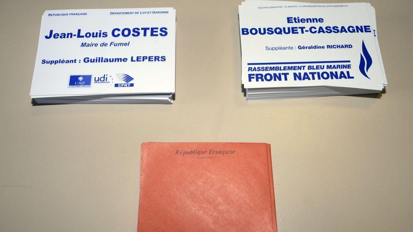 Des bulletins de vote lors du second tour de la législative partielle à Villeneuve-sur-Lot, le 23 juin.