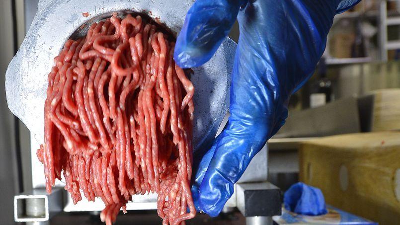 La viande est écoulée essentiellement dans des cantines scolaires ou les restaurants hospitaliers.