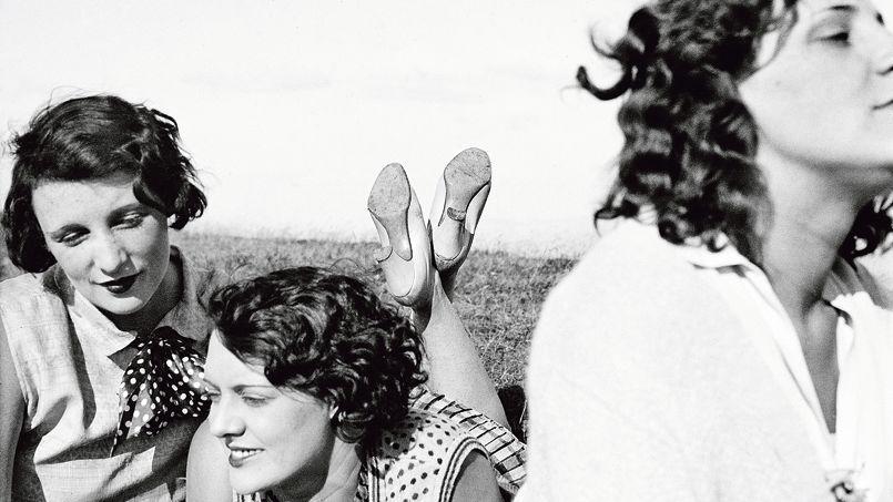 Bibi, Freddy, Margot. Aix-les-Bains, juillet1928, de Jacques Henri Lartigue.