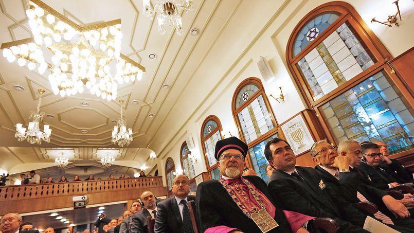 Juifs de Turquie lors d'une commémoration de la Shoah dans une synagogue à Istanbul, le 27 janvier dernier.