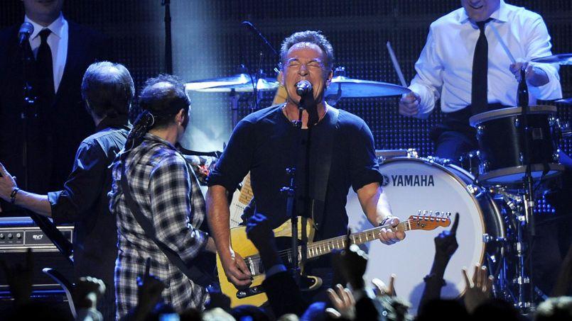 Après Rihanna et Beyoncé, le rockeur de 63 ans Bruce Springsteen apporte son soutien à la famille Martin.