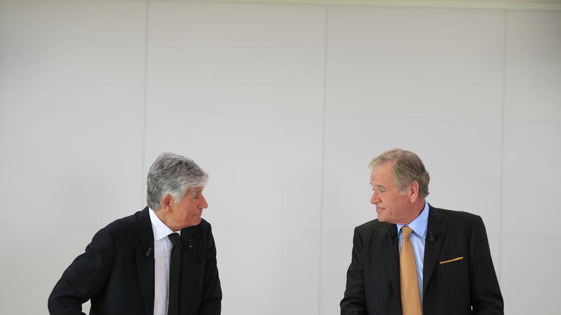 Maurice Lévy (à gauche) et John Wren lors de la conférence de presse annonçant leur projet de fusion.