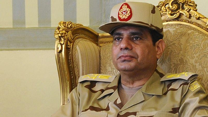 Abdel Fattah al-Sissi au cours d'une conférence de presse, en mai 2013, au Caire.