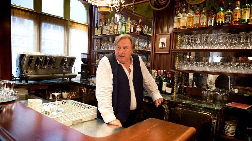 Le fantôme d'«Uranus». Difficile, quand on le voit derrière le bar de son restaurant, de ne pas repenser au patron de café poète qu'il incarnait dans le film de Claude Berri adapté du roman de Marcel Aymé.