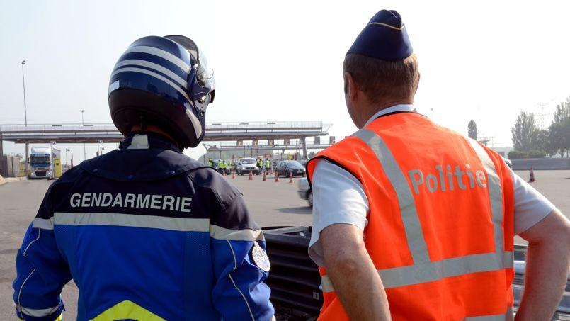 Un important dispositif de secours a été mis en place après la collision entre les deux véhicules.