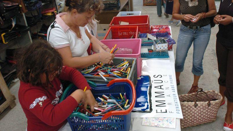 Les ventes solidaires de fournitures scolaires font carton plein