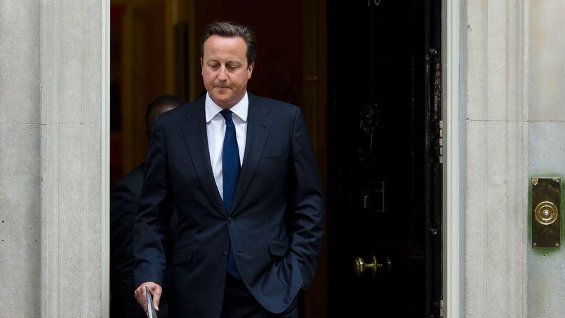 David Cameron sortant du 10 Downing Street, jeudi à Londres.