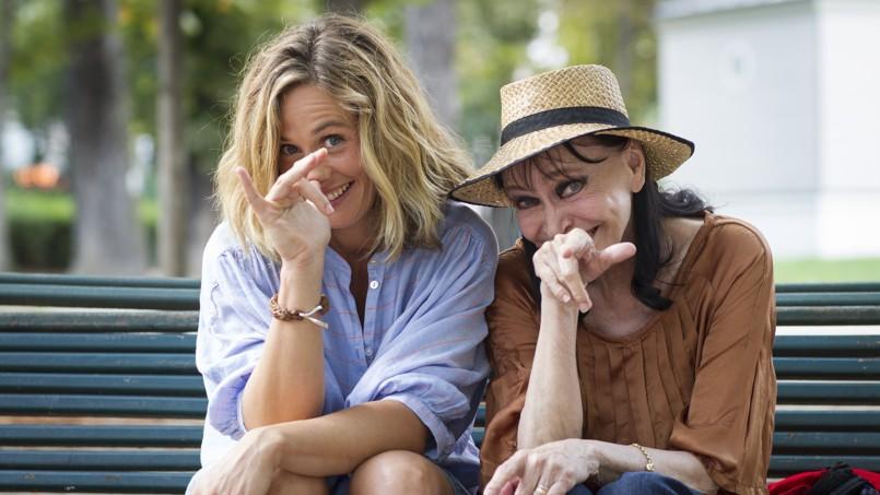 Cécile de France et Anna Karina partagent une complicité gamine et semblent se connaître depuis toujours