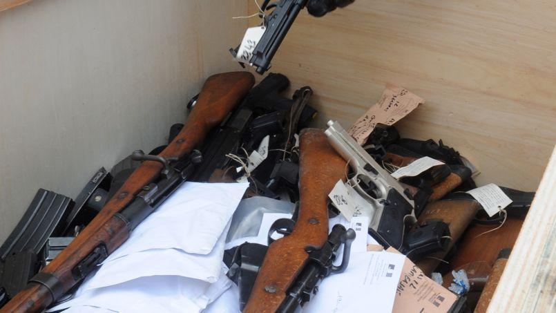 Des armes à feu sur le point d'être détruites par la police, le 23 avril 2013.
