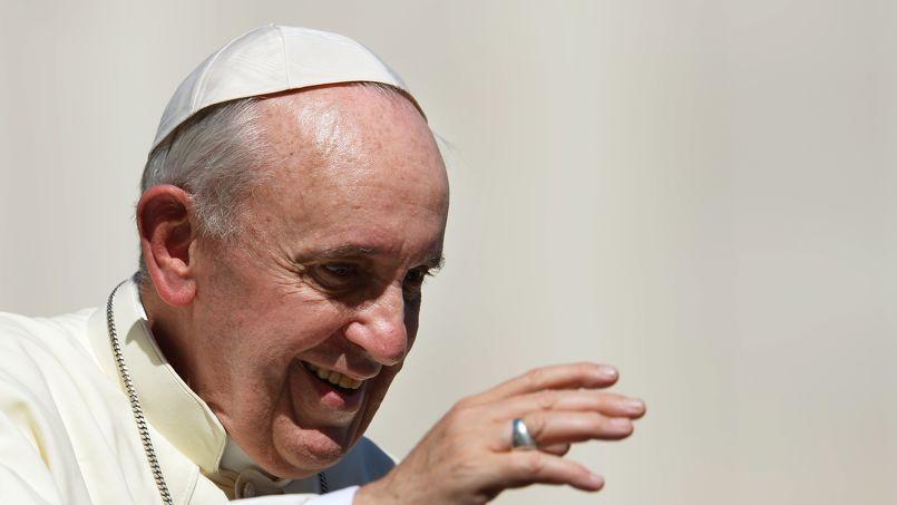 Le Vatican dément avoir appelé un jeune homosexuel français
