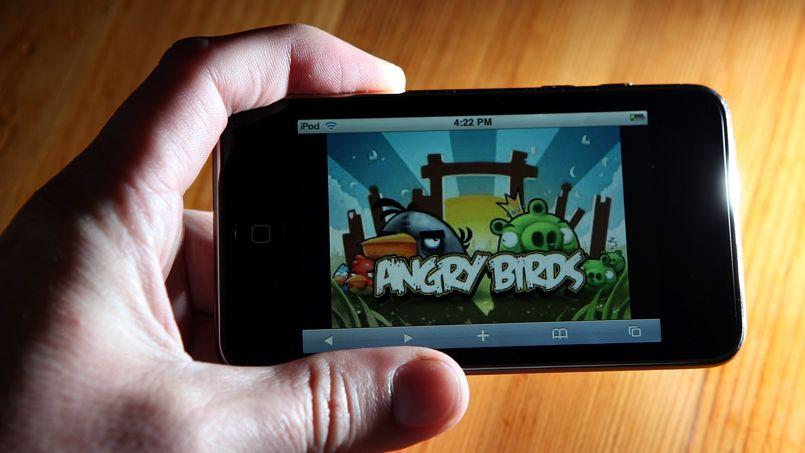 Angry Birds est produit par Rovio, une entreprise finlandaise.