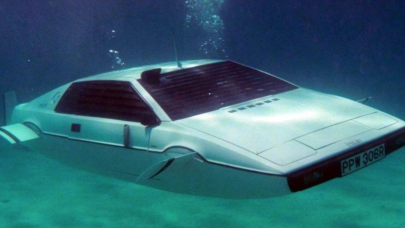 james bond la voiture sous marin aux ench res. Black Bedroom Furniture Sets. Home Design Ideas