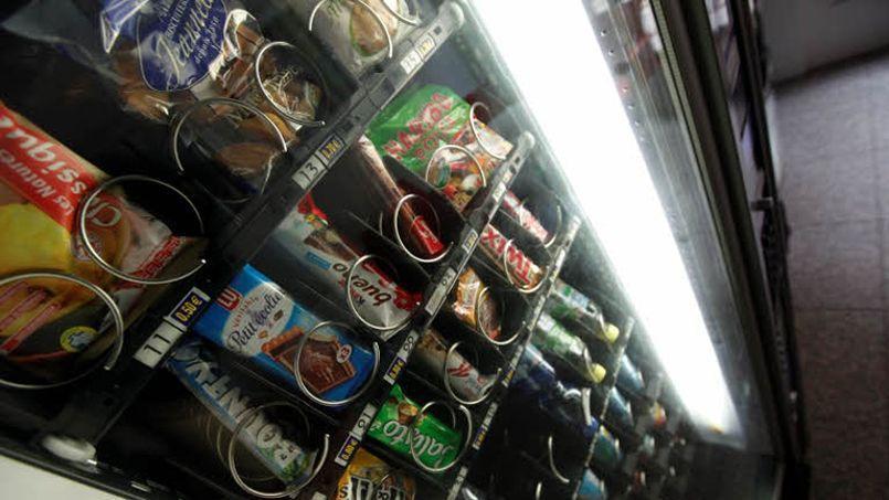 L'accord ne concerne que les distributeurs automatiques installés sur les lieux de travail, et pas les distributeurs implantés dans les lieux publics. Crédit photo: François Bouchon / Le Figaro.