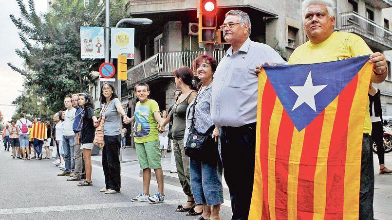 La chaîne humaine réclamant l'indépendance de la Catalogne a commencé le 30 août à Barcelone.