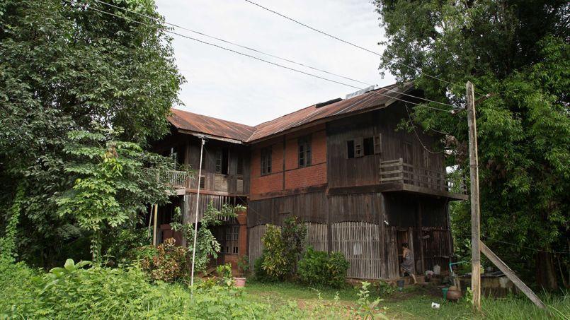 La maison où vécut Georges Orwell en Birmanie dans les années 1920, tombe en ruine.