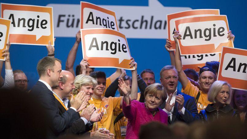 Angela Merkel ovationnée par les membres de la CDU, le 21 septembre à Berlin.