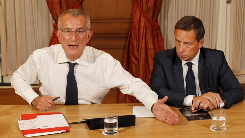 Guillaume Pepy, président de la SNCF, et Jacques Rapoport, patron de Réseau ferré de France, lundi à Paris.