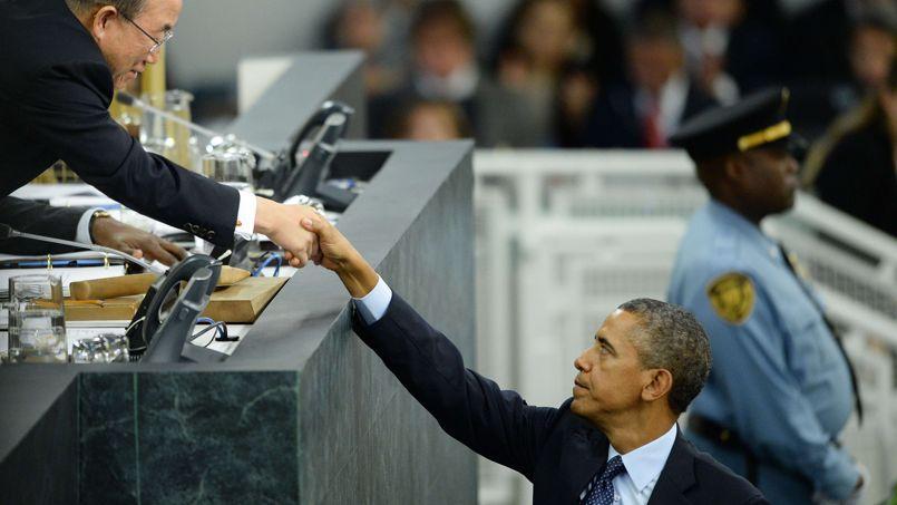 Le président américain salue le secrétaire général de l'ONU, Ban Ki-moon, après son discours, mardi à New York