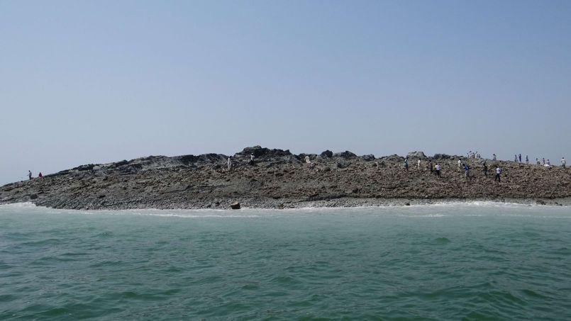 Une île surgie des flots au Pakistan après un séisme