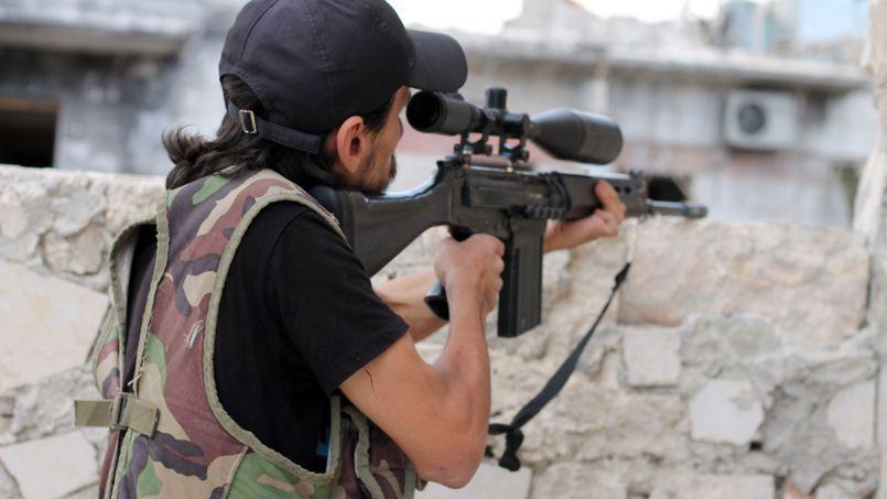 Un rebelle syrien, le 25 septembre, à Alep.