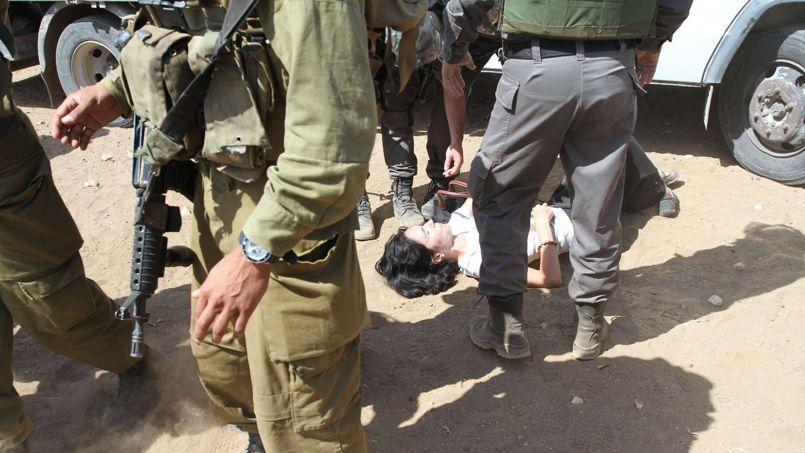 Paris écourte la mission d'une diplomate qui a giflé un soldat israélien