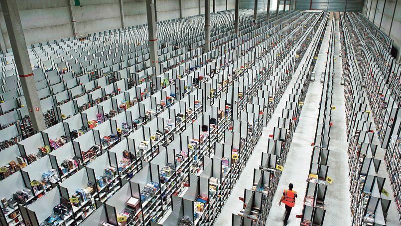 Amazon a ouvert quatre entrepôts dans lesquels il stocke 800.000 titres différents.