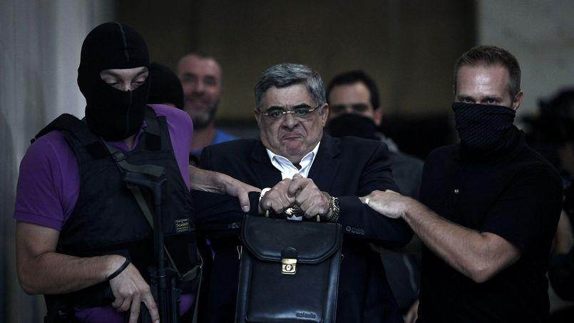 Nikos Mihaloliakos a été placé en détention provisoire. Il est accusé de «diriger une organisation criminelle».