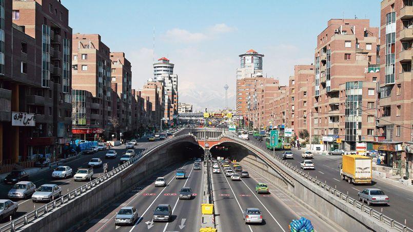 Une vue de Téhéran, la capitale de l'Iran. Riche en gaz et pétrole, le pays et ses 80 millions de consommateurs attirent les entreprises occidentales
