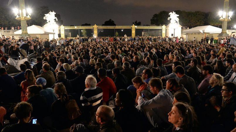 Le collectif des Veilleurs, ici lors d'un sit-in le 31 août dernier place de la Concorde à Paris, s'oppose au mariage pour tous.