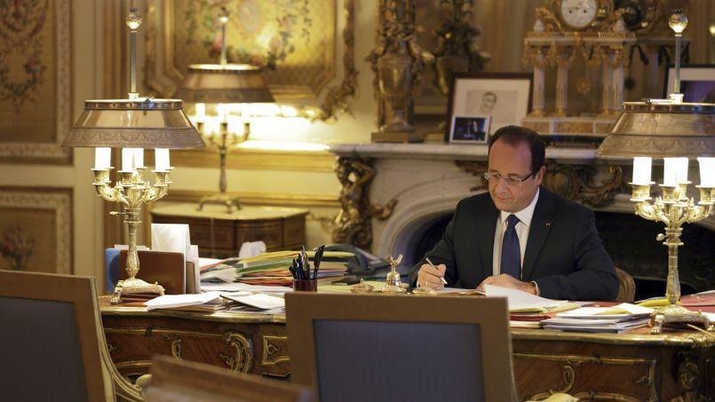 François Hollande dans son bureau de l'Élysée.