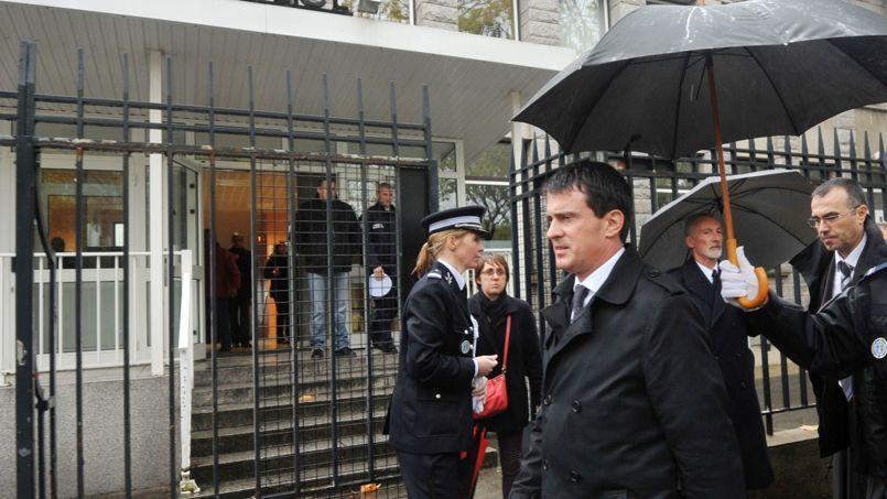 Manuel Valls cristallise les critiques de la gauche.