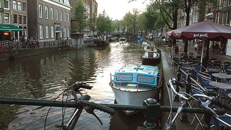 Les canaux et ses vélos.
