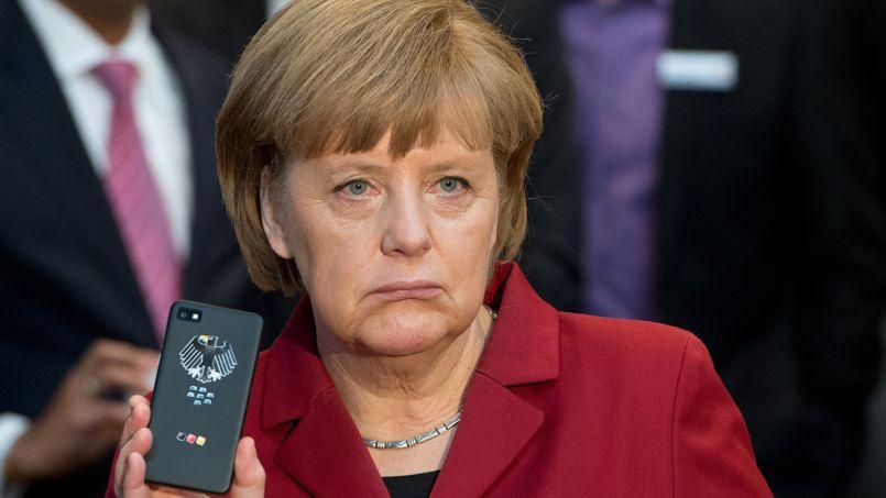 Angela Merkel a exigé des explications de Barack Obama, avec qui elle s'est entretenue par téléphone.