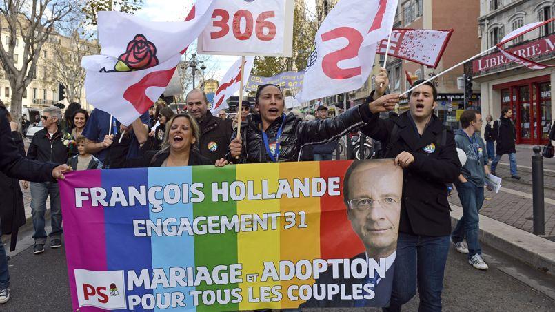 La loi sur le mariage et l'adoption pour les couples de même sexe faisait partie du 31e engagement de campagne de François Hollande pendant l'élection présidentielle.