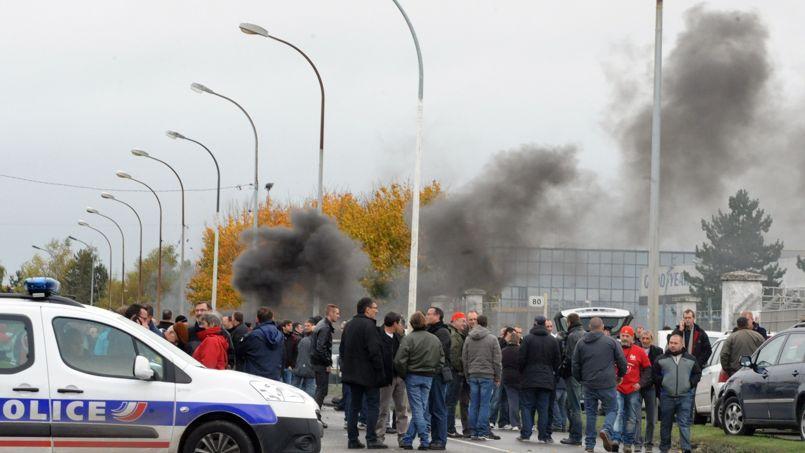 Les ouvriers de Goodyear Amiens-Nord bloquent leur usine depuis très tôt ce matin.