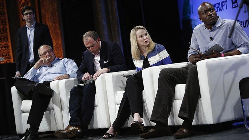 Marissa Mayer (au centre) est PDG de Yahoo! (CC/Flickr/Brian Ach poru TechCrunch)