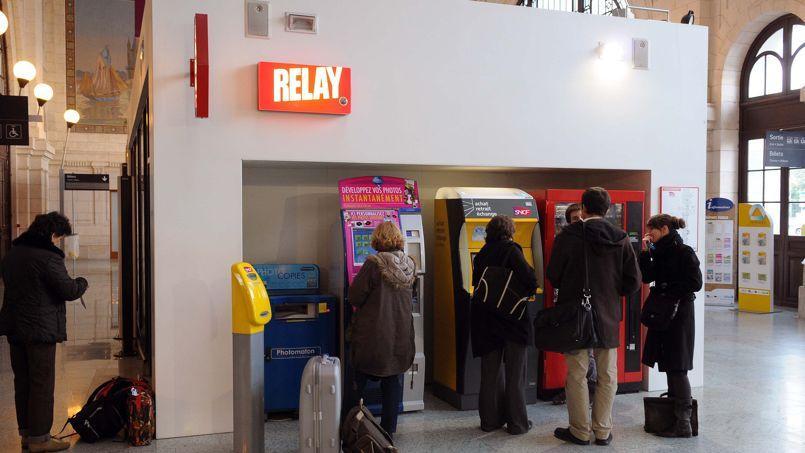 Boutique Relay à la gare de La Rochelle.