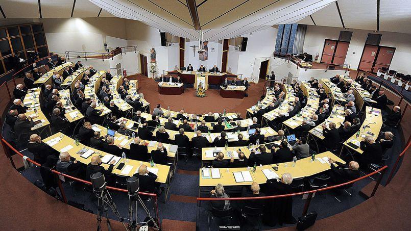 MgrGeorges Pontier préside l'ouverture de la Conférence des évêques de France, en novembre à Lourdes.