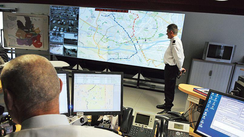 Le Centre d'information et de commandement de l'hôtel de police de Nantes permet notamment la géolocalisation de véhicules.